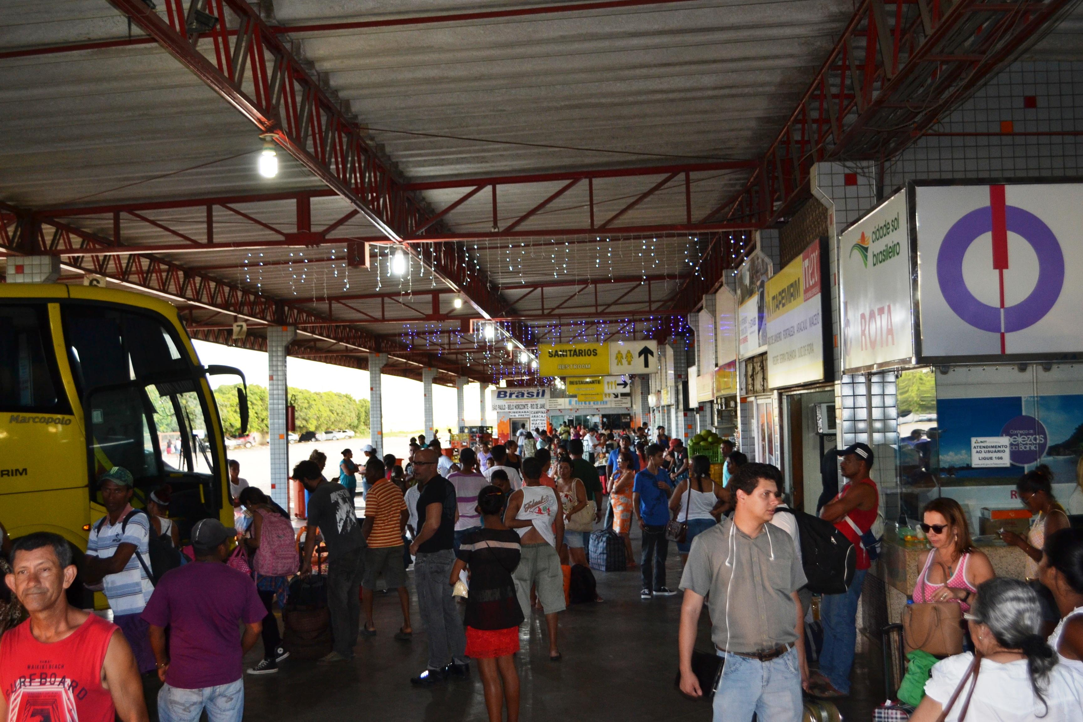 Rodoviária de Vitória da Conquista registra movimento intenso de saída e  chegada - Blog da Resenha Geral
